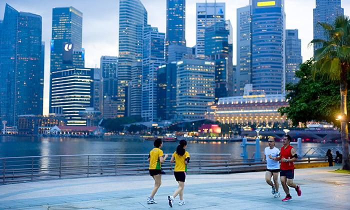 SabrinaZolkifi-Aug-2014-singapore-jogging-cbd-shutterstock
