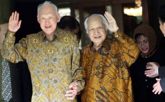 20110608_Lee_Kuan_Yew_dan_Soeharto