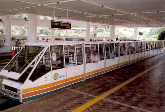 34800040-sentosa-island-monorail-system-singapore