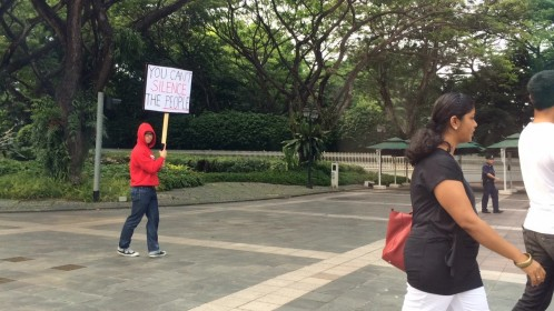 Protestor-outside-Istana-You-cant-silence-the-people-498x280