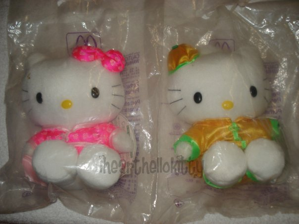 McDonalds-Hello-Kitty-and-Dear-Daniel-Traditional-Chinese-Clothes