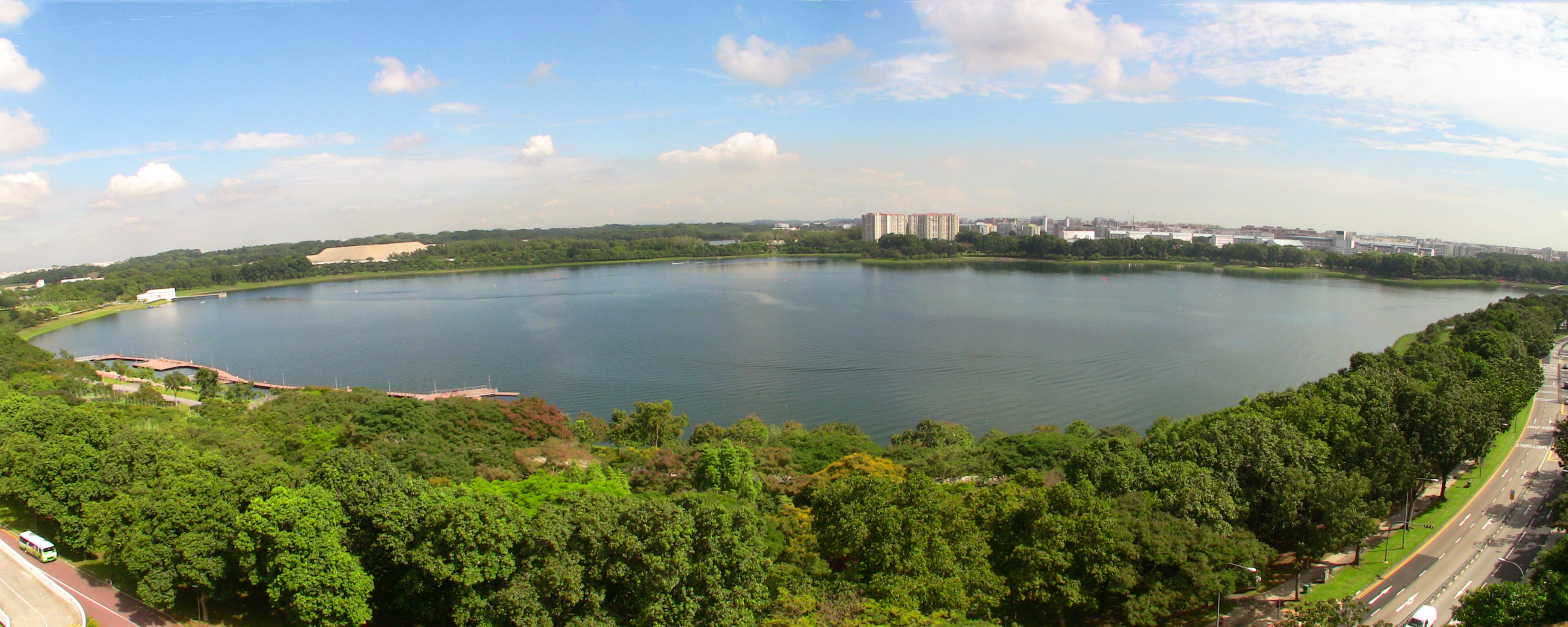 1_bedok_reservoir_panorama_2010