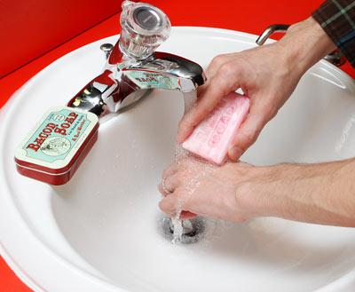 da14_bacon_soap_inuse