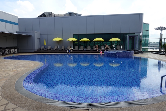 swimming pool changi airport