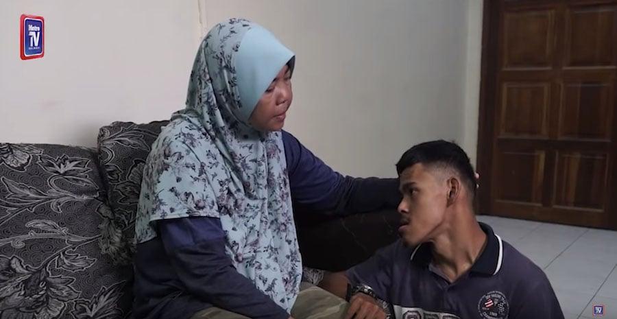 wheelchair-bound malaysia breadwinner