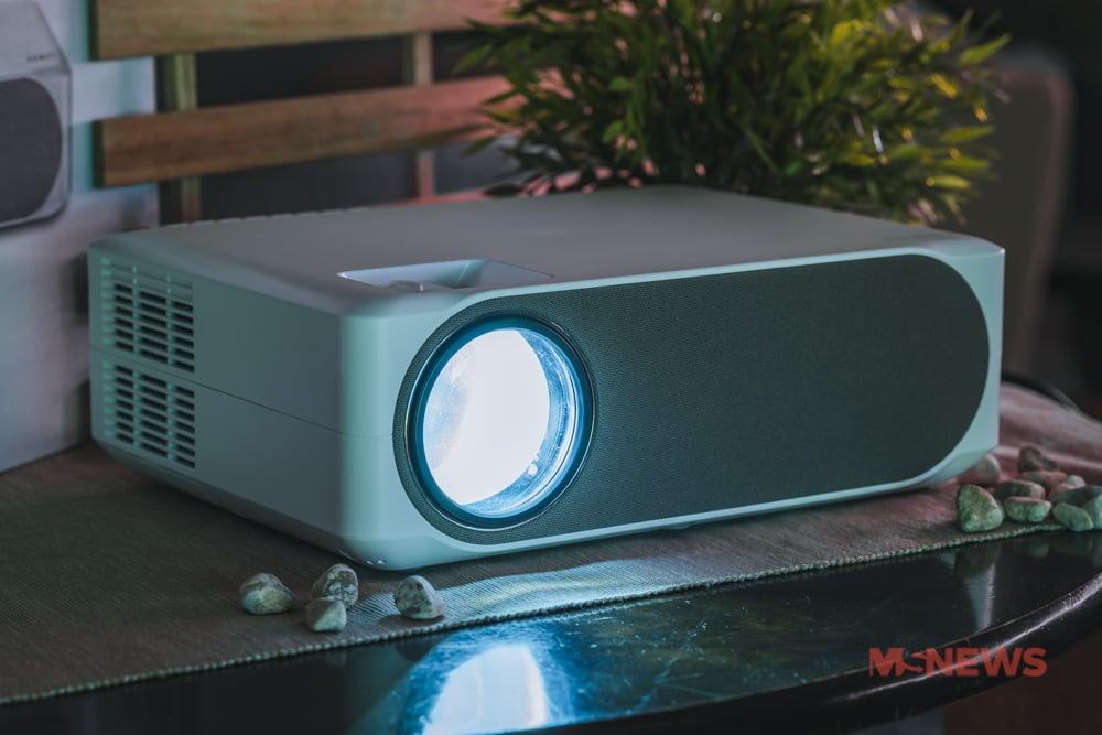 lumos auro projector