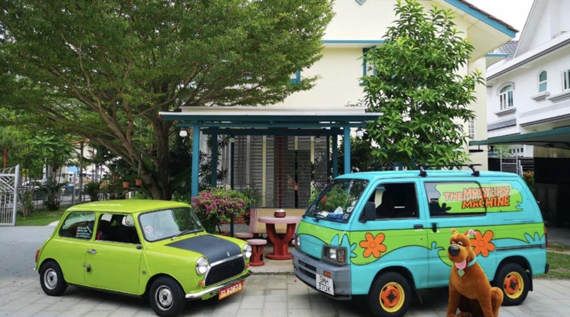 Mr Bean car and Mystery Machine