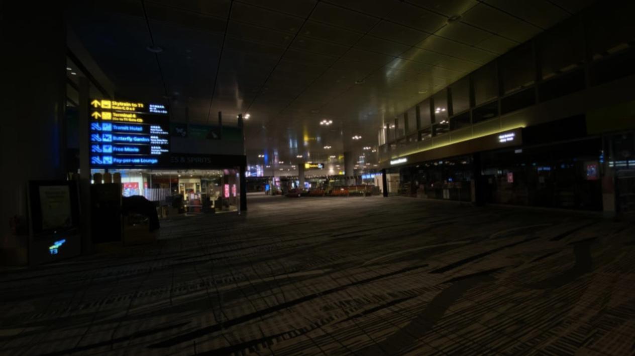 Eerie terminal 3 departure hall