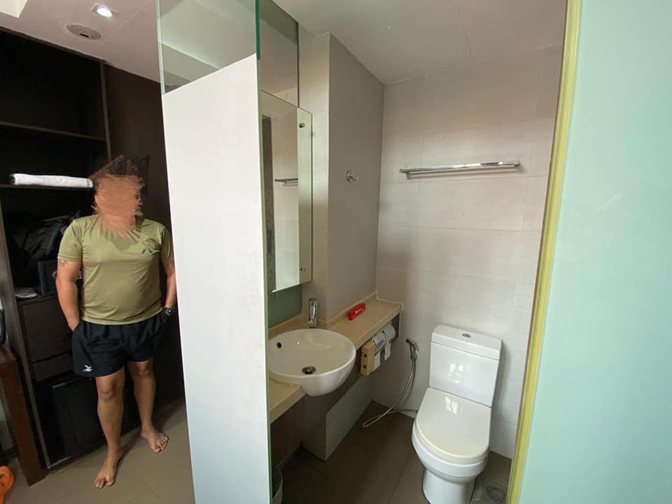 Singaporediscovers hotel homeless