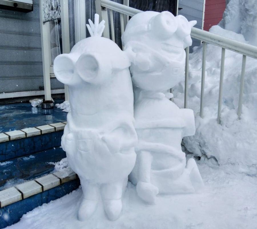 minions snow figures 2