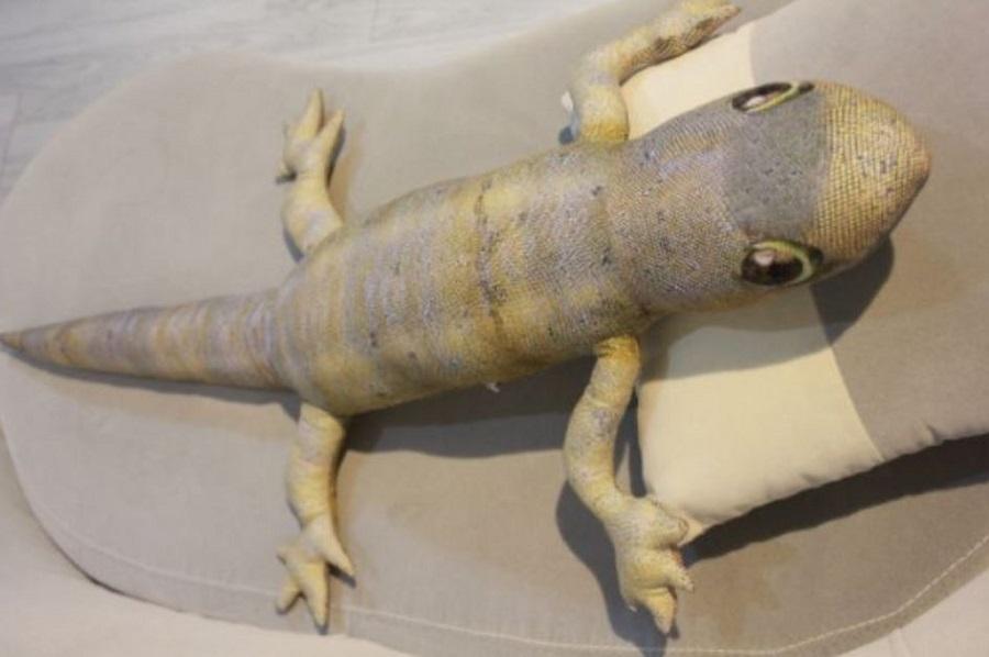 lizard bolster 3