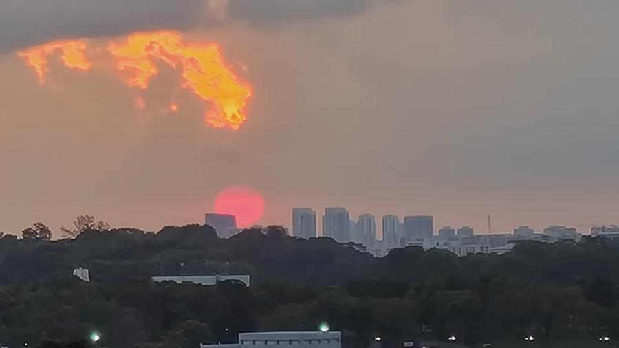 super flower blood moon sunset