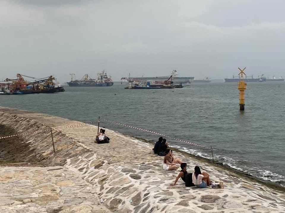 Pulau Ujong breakwater